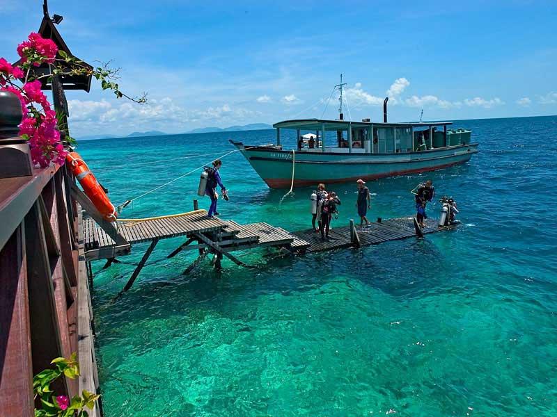 Plong e avec kapalai dive center plong e tawau malaisie voyages plong e ultramarina - Sipadan dive centre ...